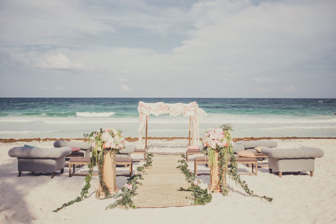 Alternative Luxuries + Pastel Tulum Dreams: Taylea + Robin